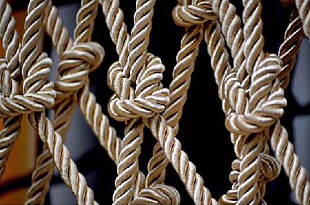 夢でロープを結ぶのは繋がり、異性と一緒に結んだら結婚を暗示!?
