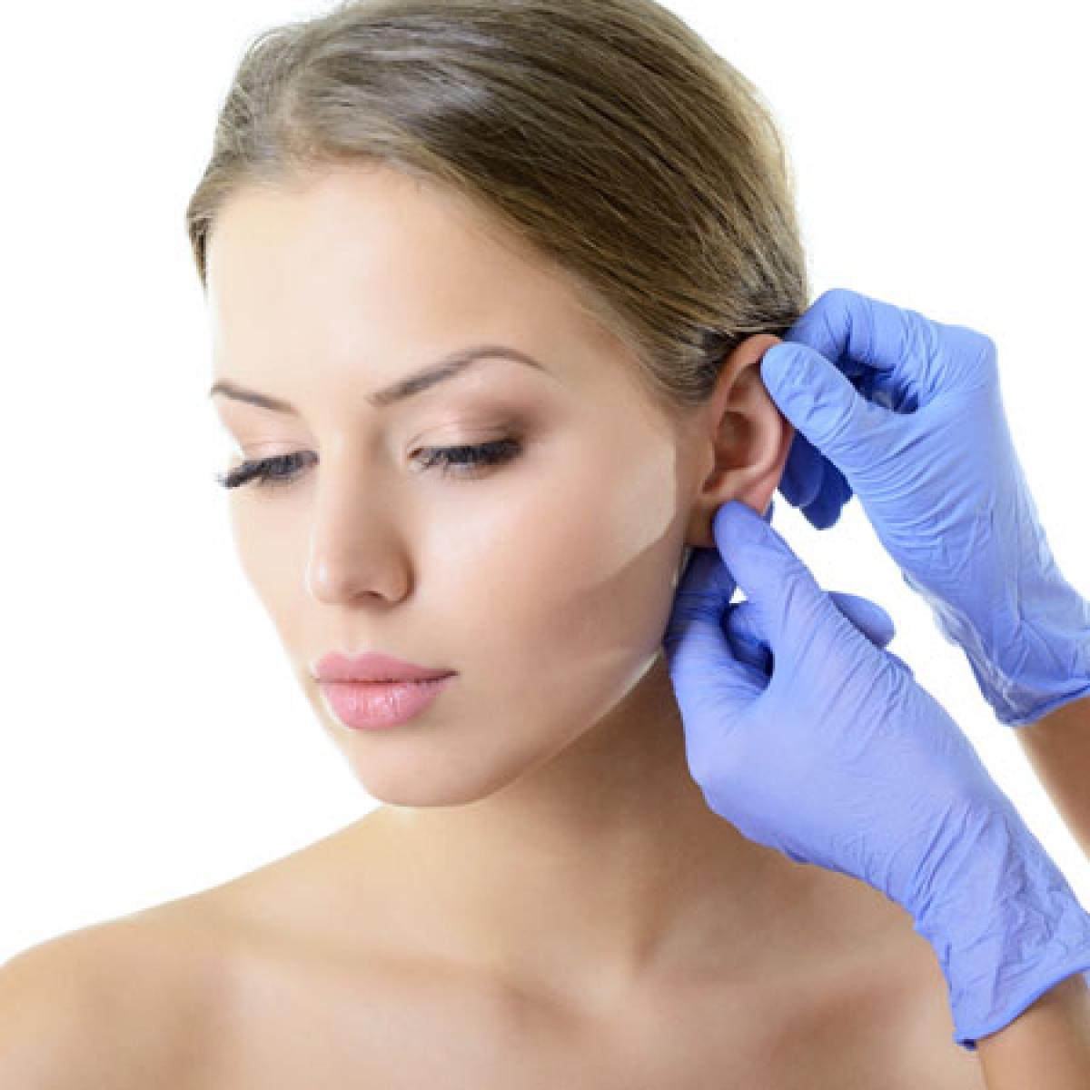 耳を手術する夢は、情報を聞き分けられるようになることを暗示している!?