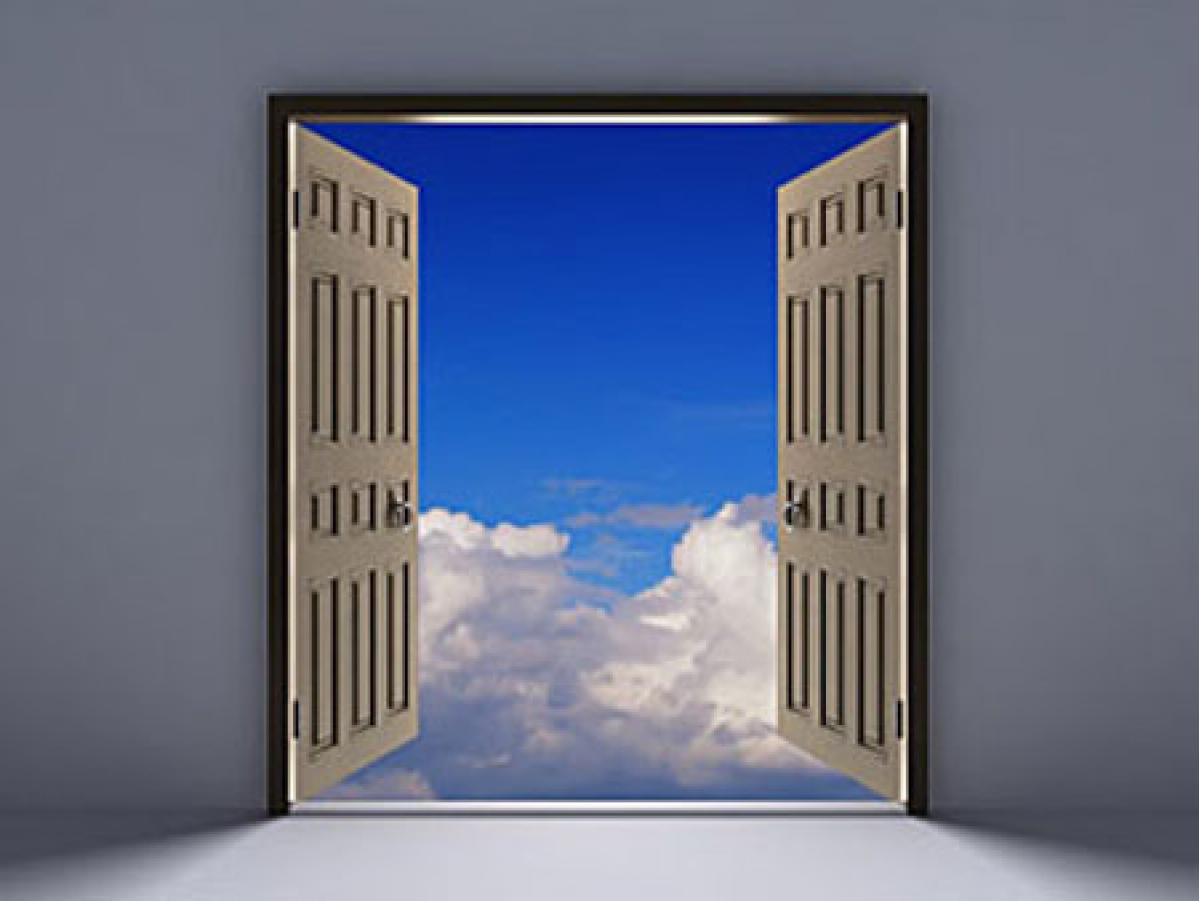 夢に出てくるドアは可能性! 開けるか閉めるかで運命が決まる!?